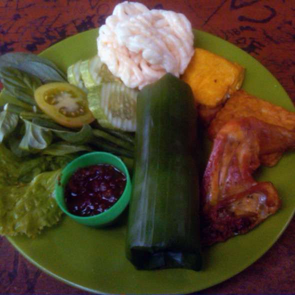 Nasi Timbel Komplit @ Sumur Restaurant