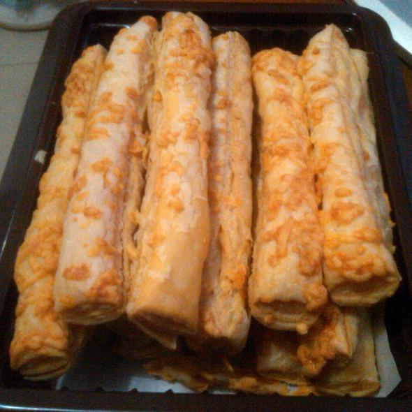 Cheese Sticks @ Kartika Sari Buah Batu