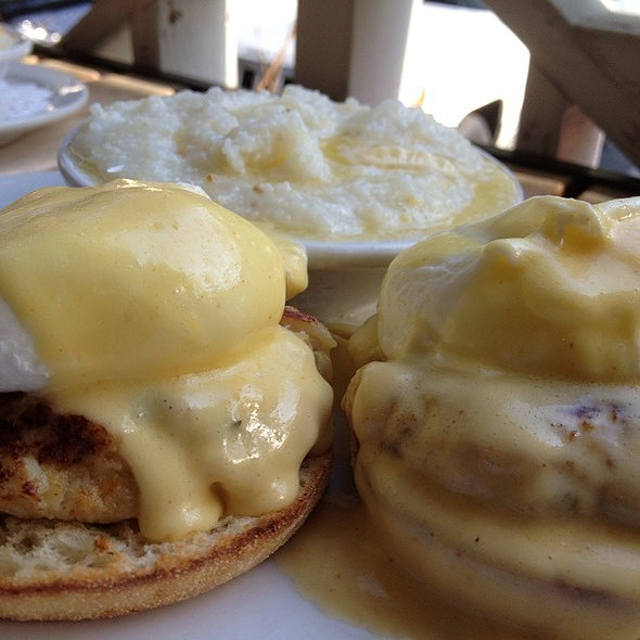 Crab Cakes Benedict @ Palmetto Bay Sunrise Cafe