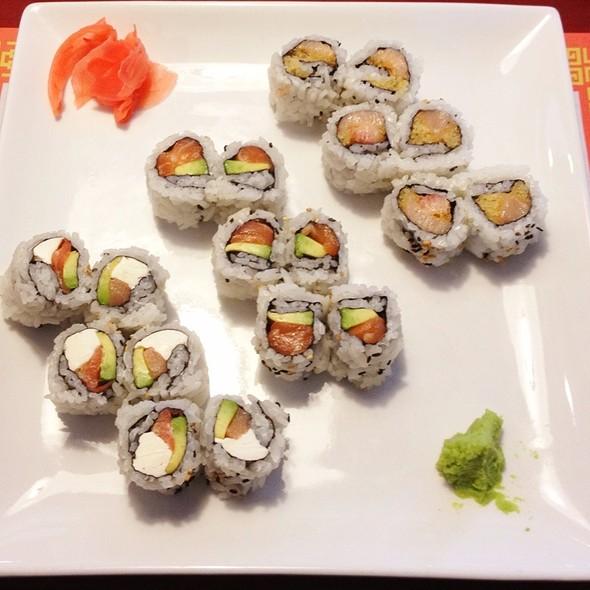Maki Lunch Plate @ Shangrila