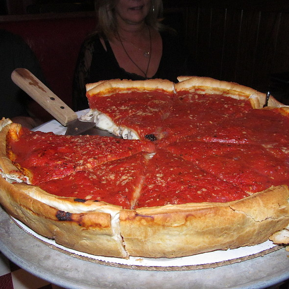 "Chicago ""Stuffed"" Pizza @ Giordano's"