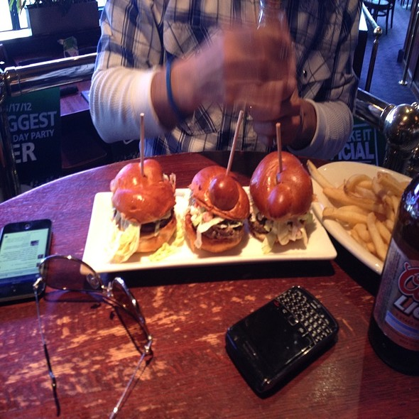 Mini Burgers @ Houlihan's