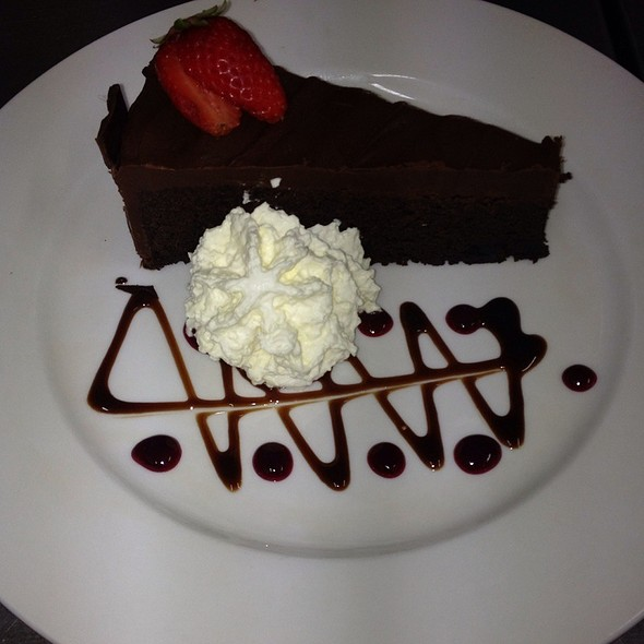 Rich Chocolate Mud Cake @ Porterhouse Bistro