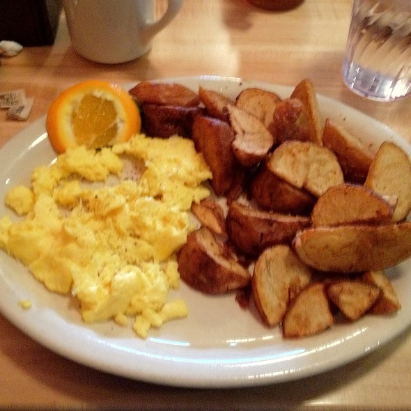 American Classic Omelette with Home Fries