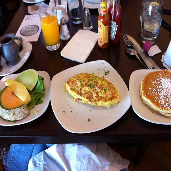 American Omelette @ Jam & Jelly Cafe