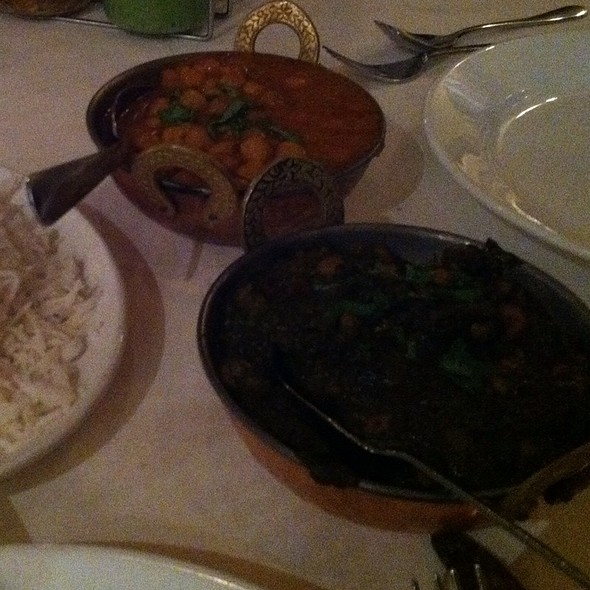 Saag Chana And Chana Masala @ chicago curry house indian cuisine