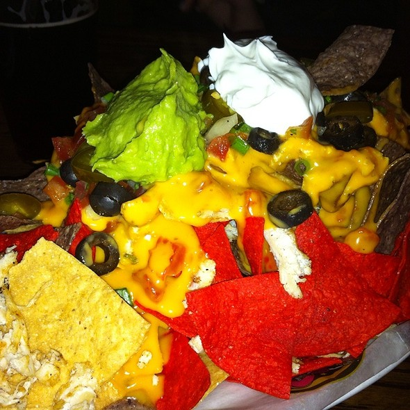 Loaded Nachos With Grilled Chicken - Miller Time Pub & Grill - Milwaukee, Milwaukee, WI