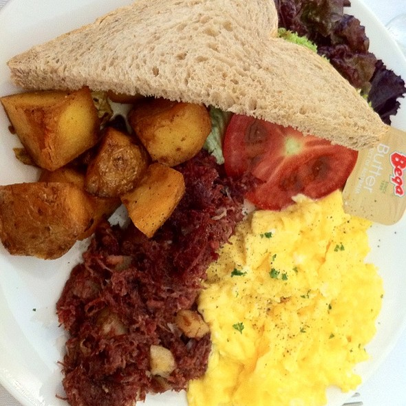 Egg Breakfast @ Apartment 1B