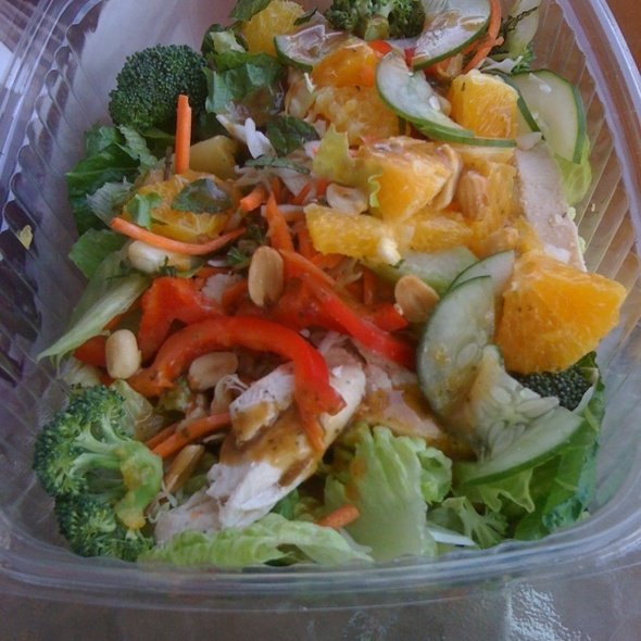 Thai Citrus Chicken Salad @ Boudin Sourdough Bakery & Cafe: Fisherman's Wharf