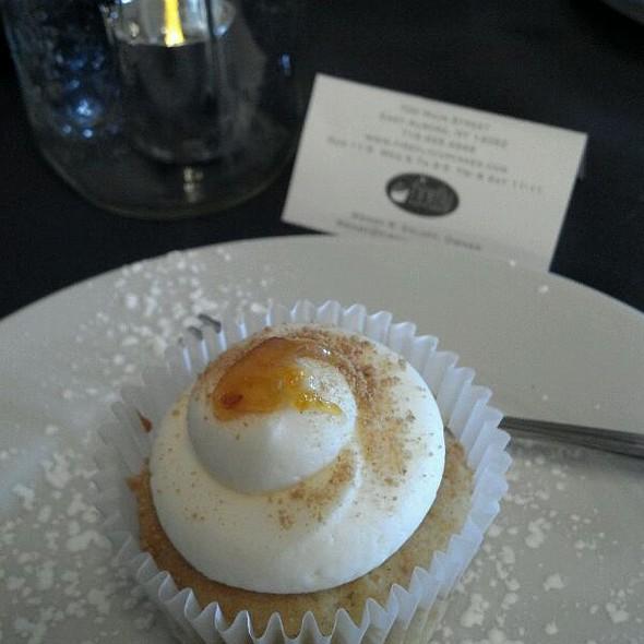 Just Peachy Cupcake @ Firefly Cupcakes