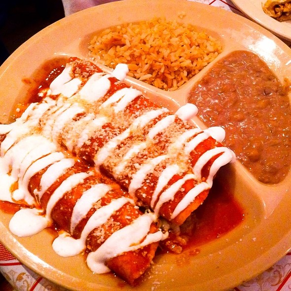Pinches Pollo Enchiladas @ Pinches Tacos