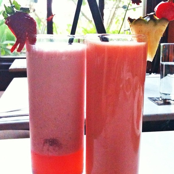 Berry Family & Jungle Punch @ Bibliotheque
