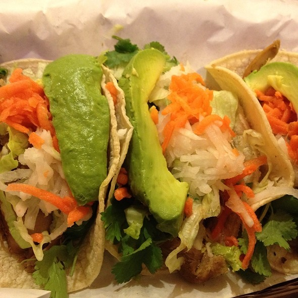 Kogi Chicken Tacos @ Lucky's Pho