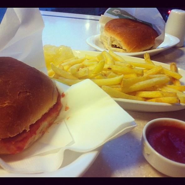 Jumbo Burger With Chips @ Jumbo Burger