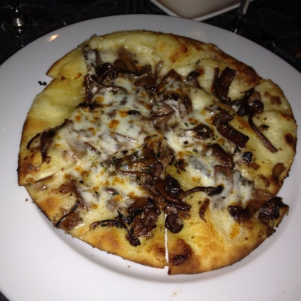Mushroom Flatbread @ The Hidden Vine