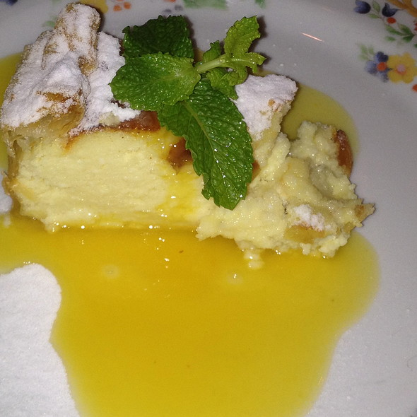 Torta Romana de ricota com calda de laranja caramelizada @ La Tambouille
