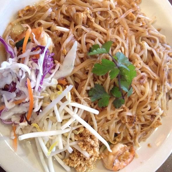 Pad Thai @ Mai Thai