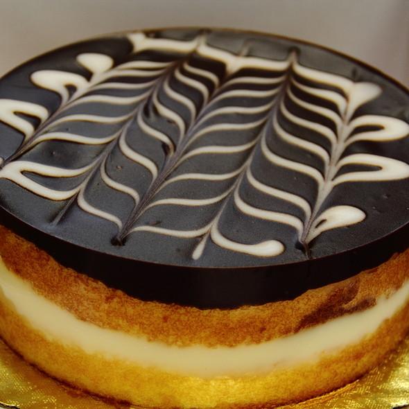 Boston Cream Pie @ Zippy's Makiki