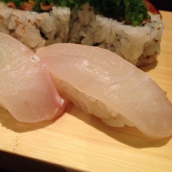 ヒラメ寿司 @ Sushi Ota