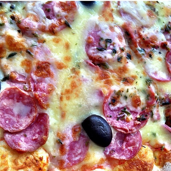 Pizza Calabresa @ Pizzaria Papparella
