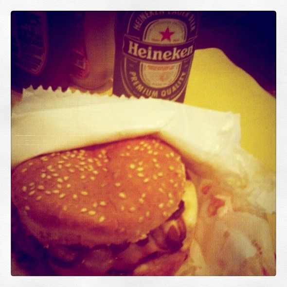 Hamburger @ Galeria do Rock