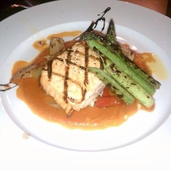 Grilled Salmon @ Vicoletto
