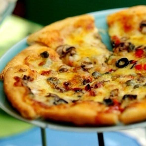 Pizza @ Milky Way