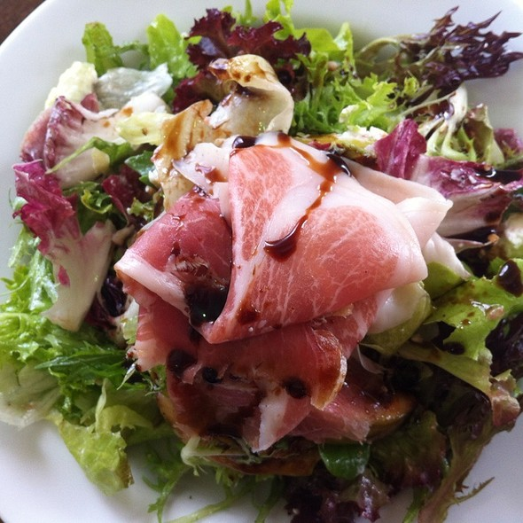 Fig And Parma Ham Salad With Goats Cheese And Balsamic Vinegar @ Cafe Sopra @ Fratelli Fresh