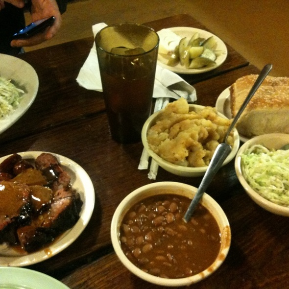 Family Style @ The Salt Lick