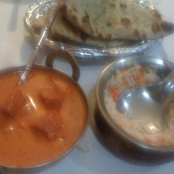 Chicken Tikka Masala With Naan