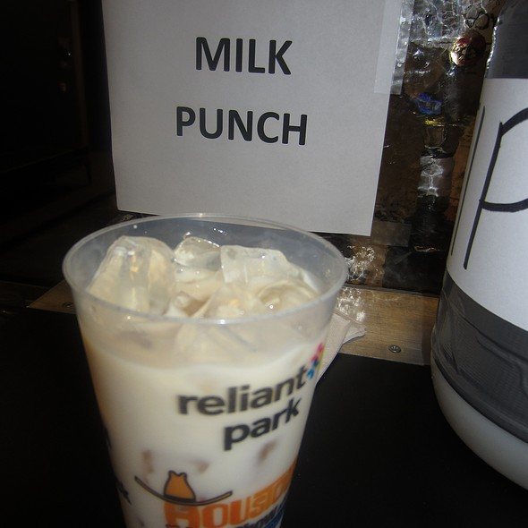 Rodeo Milk Punch @ Houston Livestock Show And Rodeo