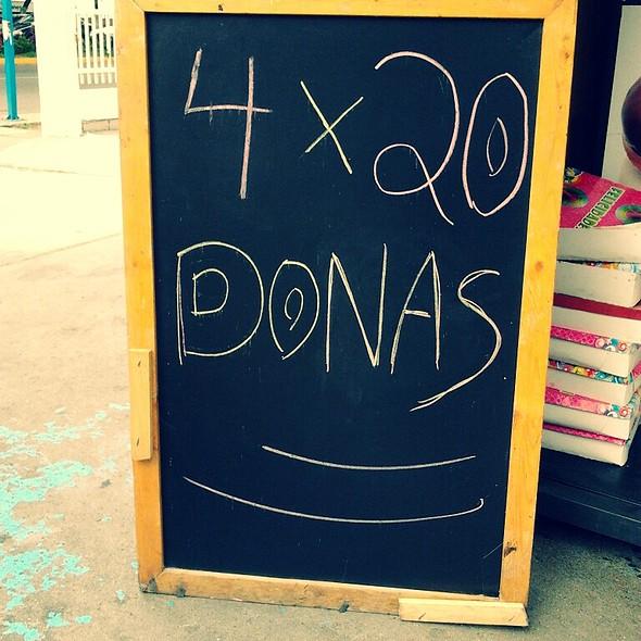 Donuts @ Estacion Churun Meru