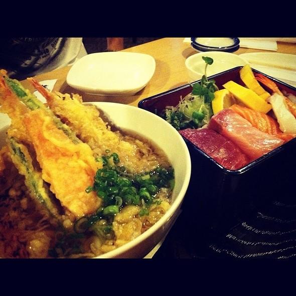 Tempura Udon & Chirashi Combo @ Zen Toro Japanese Bistro