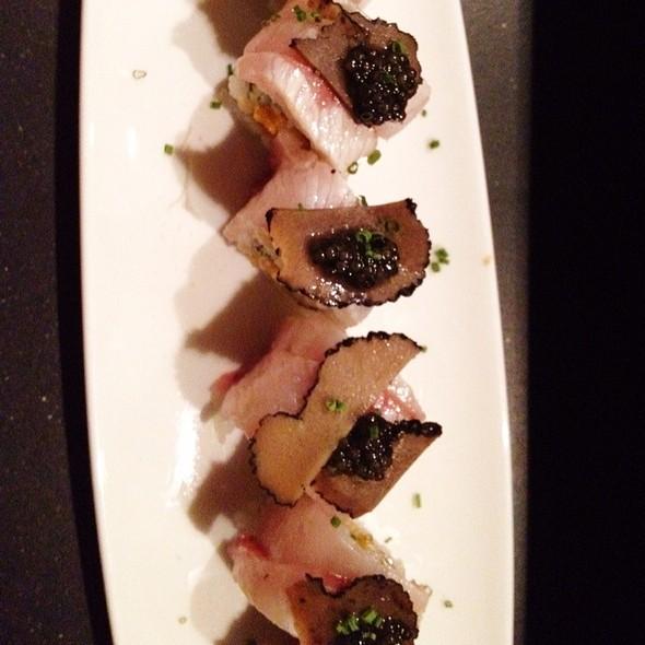 Oishii Spicy Scallop Maki - Oishii Boston, Boston, MA