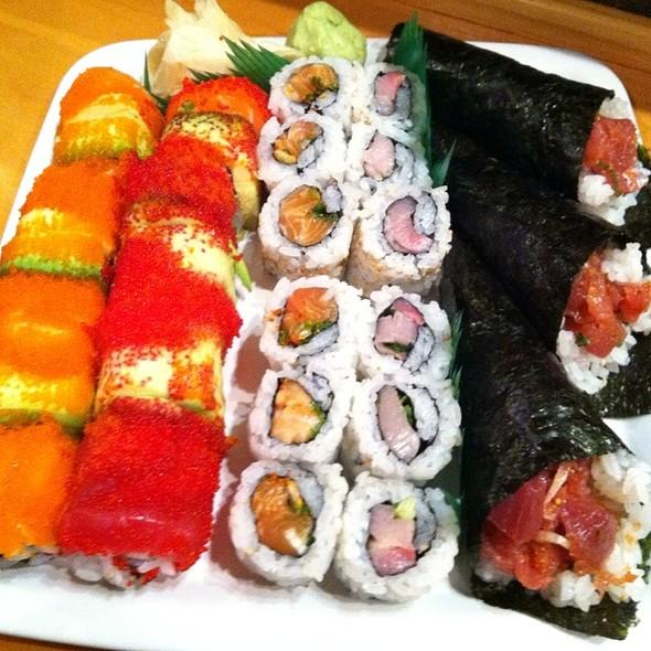 Sushi Variety Goodness @ Kotobuki