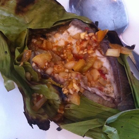 Pinaputok Na Tiyan Ng Bangus @ Max's Restaurant, Rosario Crescent, Lim Ket Kai Dr