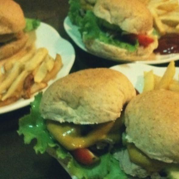 Burger @ As Home