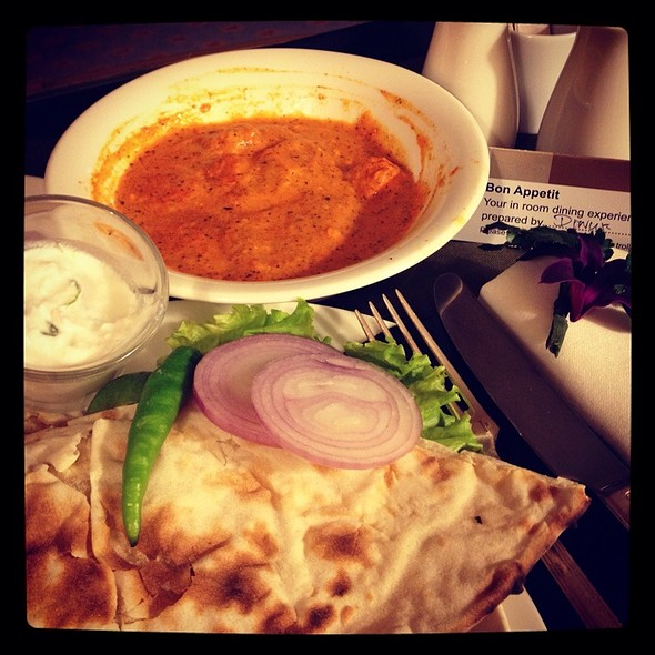 Naan With Paneer In Tomato Gravy @ Hilton Colombo