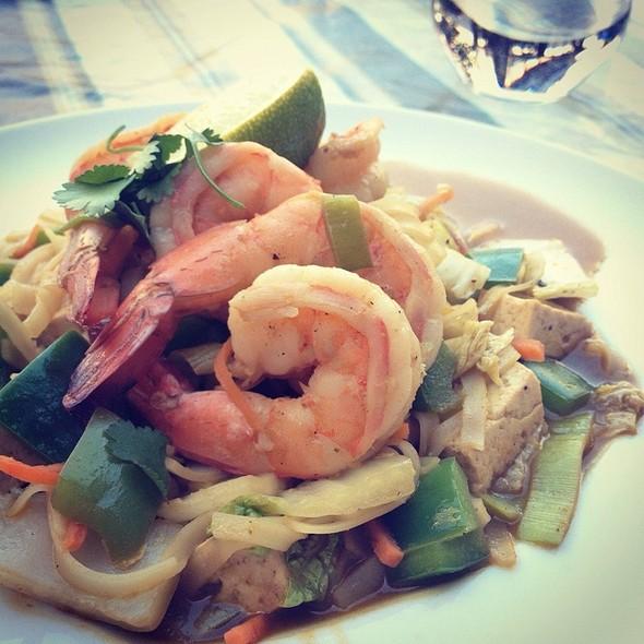 Vegan Noodle Bowl @ Posana Cafe