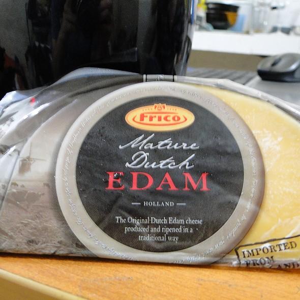 Frico's Mature Dutch Edam Cheese @ Home