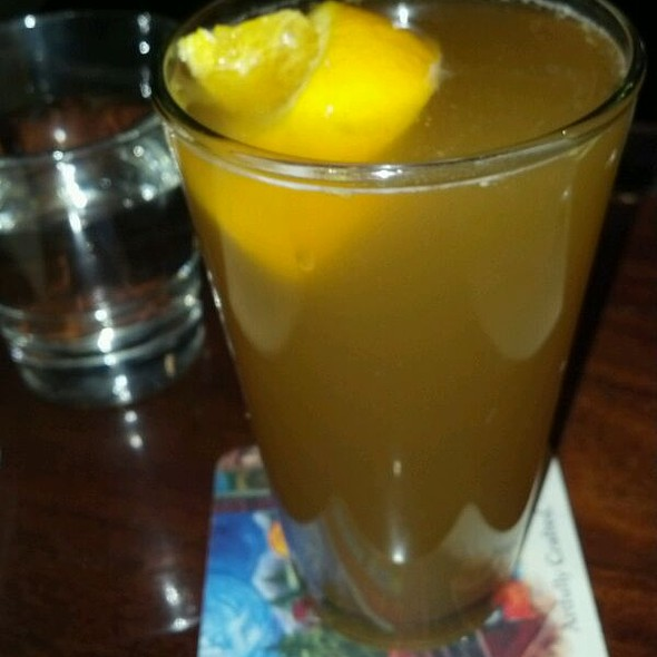 Blue Moon Beer @ Rabbit Hole Dinner and Drinks