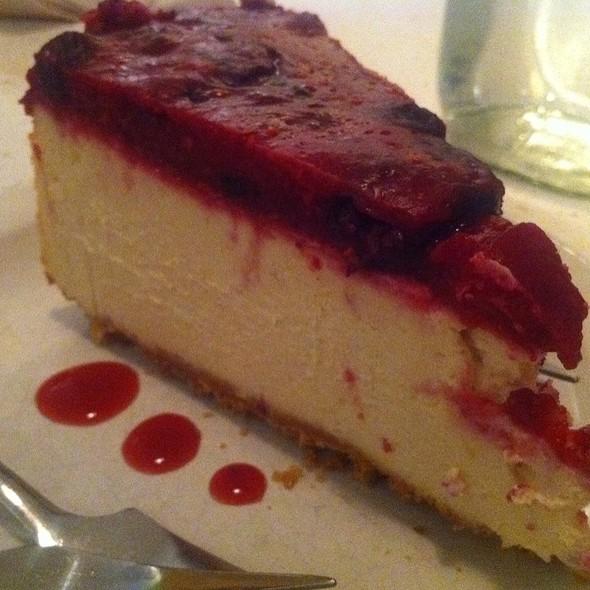 Vegan Cheesecake @ Aux Vivres