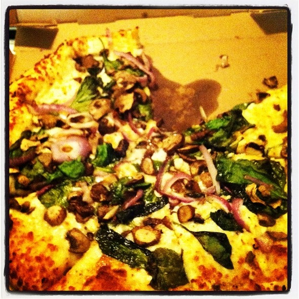 Garlic Spinach @ Pizza Pirates