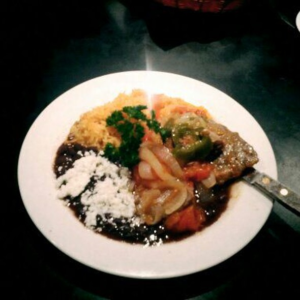Bisteak Con Salsa De Tomate @ Mezcaleria Oaxaca