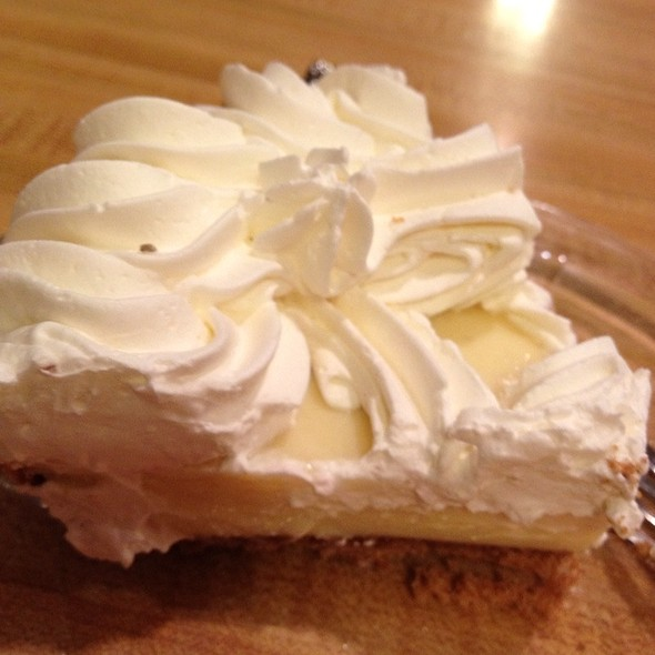 Lemon Ice Box Pie @ House of Pies