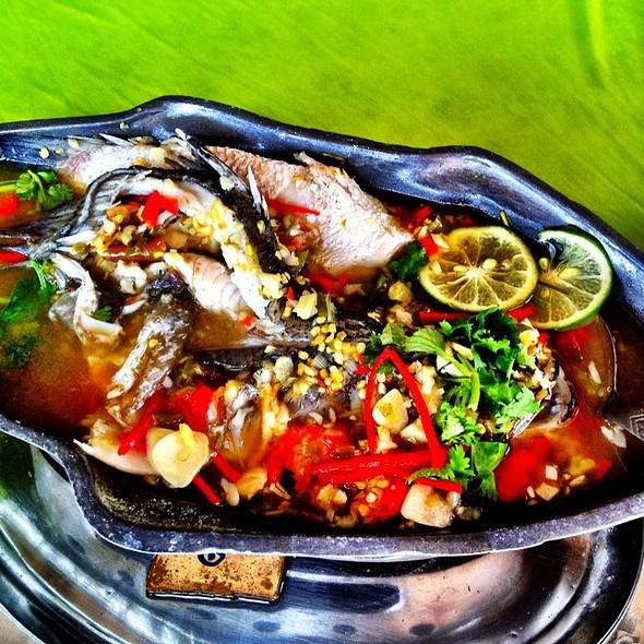 Steam Lemon Fish @ Kampung Lobak Thai Seafood