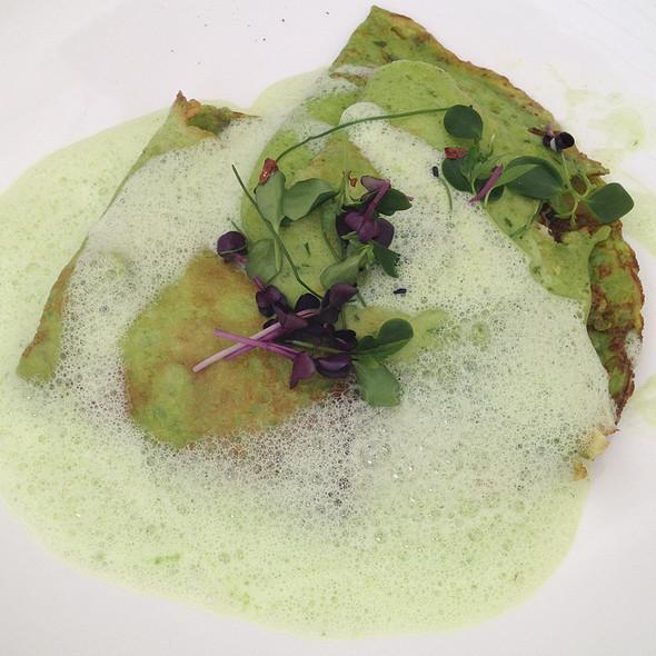 Wild garlic pancake filled with goats cheese @ Promenadenhof - SEEBER Gastro GmbH