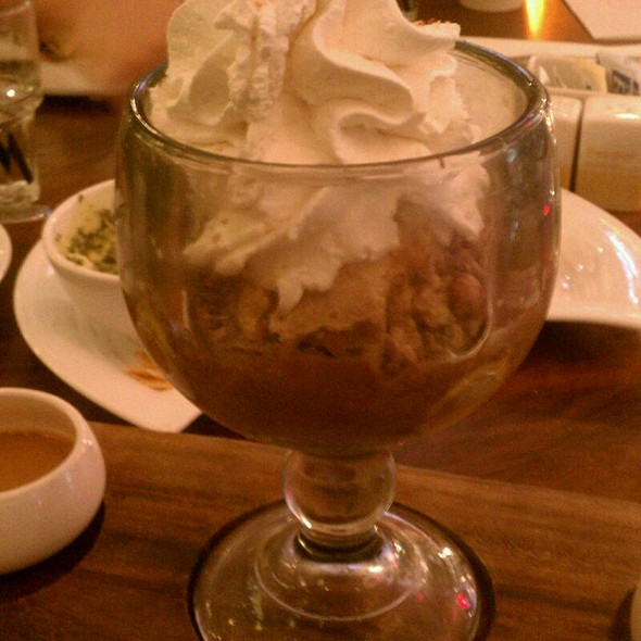 The Euphoria Peanut Butter Chocolate Fudge Sundae @ Max Brenner @ The Forum Shops at Caesar's