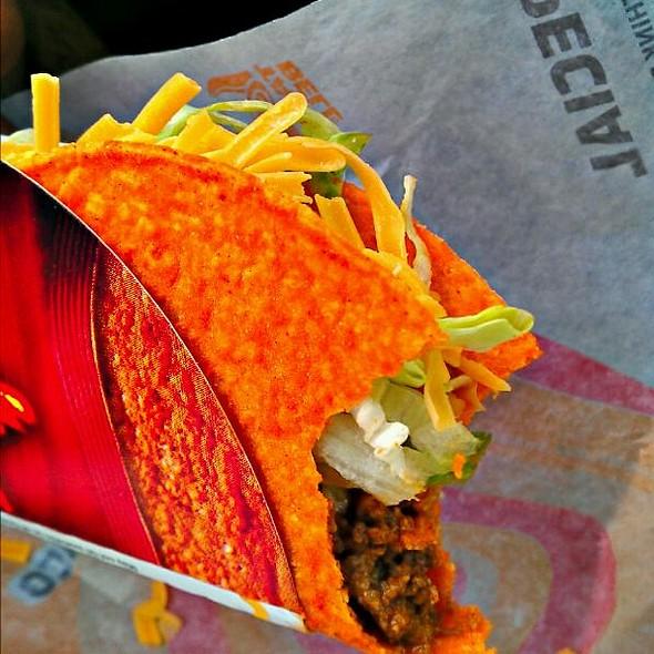 Doritos Taco @ Taco Bell