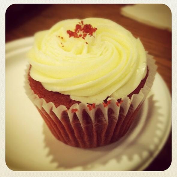 Red Velvet Cupcake @ Two Little Red Hens